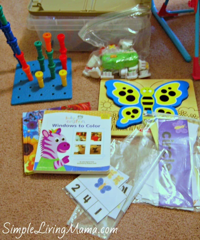 Homeschool toddler activities to occupy toddlers and other little ones during homeschool time.