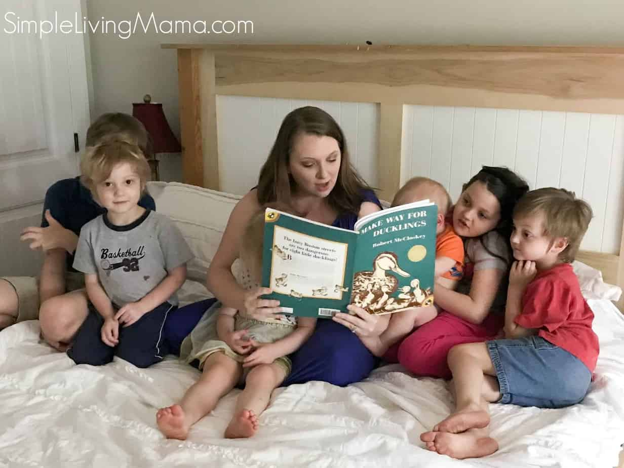mama reading make way for ducklings