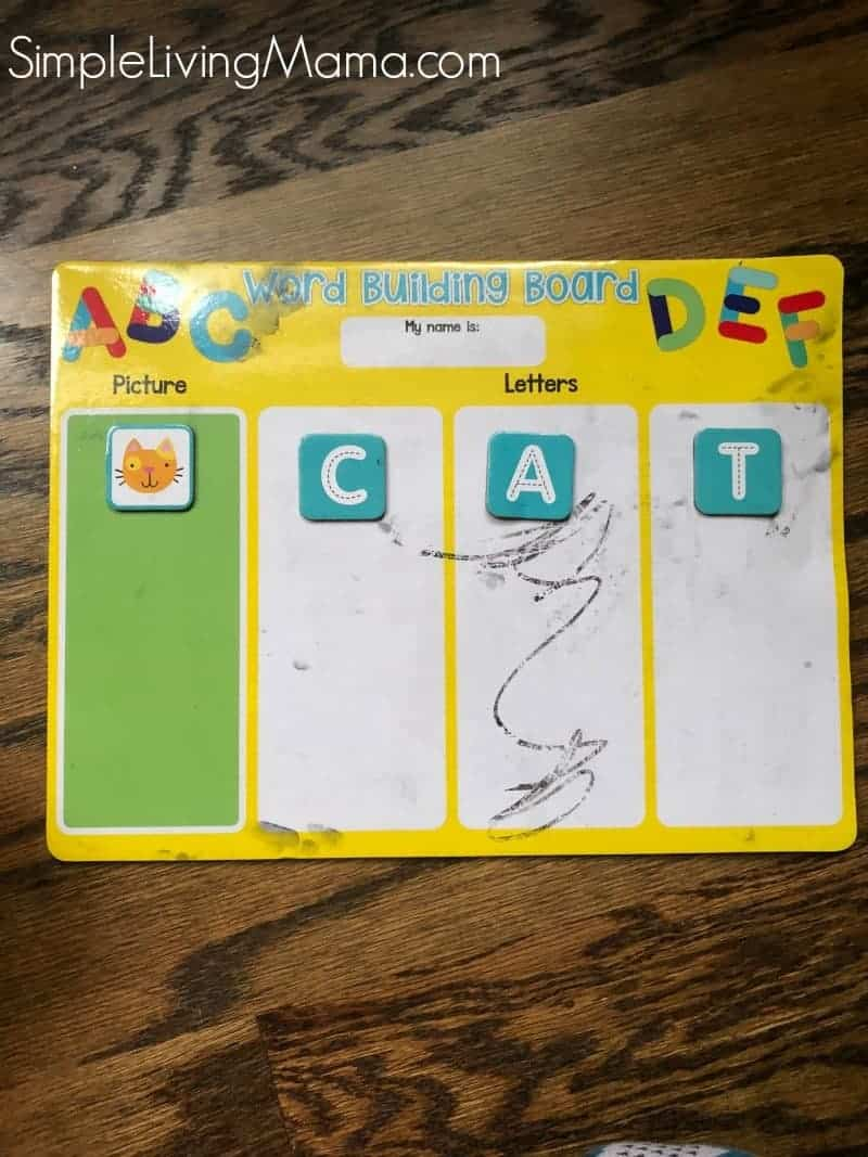 A word building mat to practice spelling words.