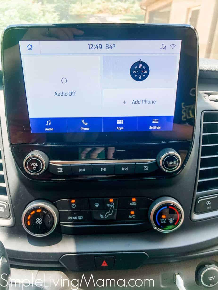 Ford Transit 350 XL Apple Car Play system